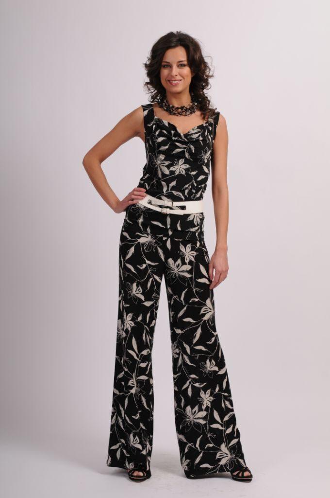 Классические костюмы женские в тц в москве